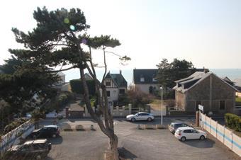 Parking, clinique vétérinaire des iles